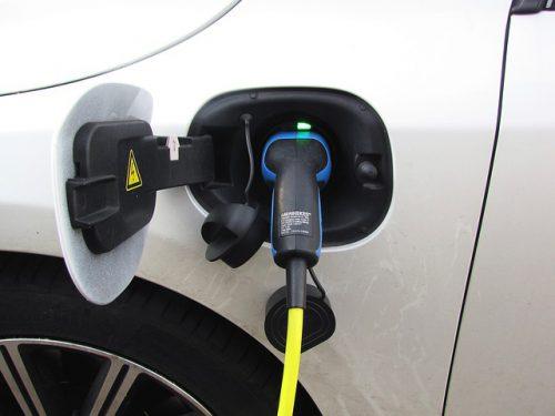 Przeanalizowaliśmy projekt rozporządzenia o wsparciu z Funduszu Niskoemisyjnego Transportu. Na jakich zasadach będzie można dostać wsparcie do budowy infrastruktury paliw alternatywnych oraz do zakupu pojazdów?