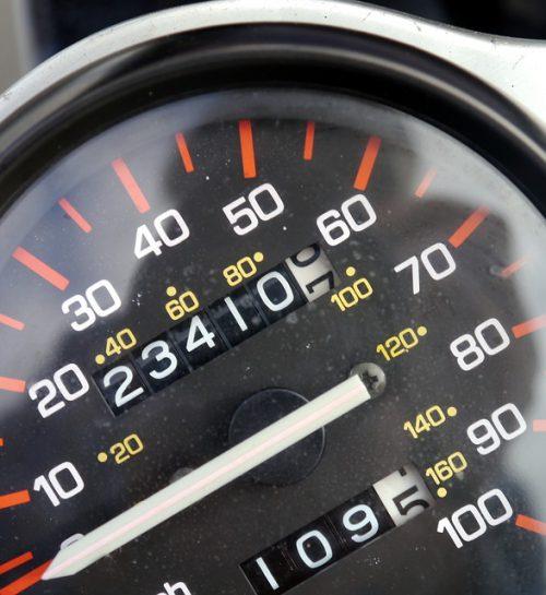 Wchodzą kary za kręcenie liczników w pojazdach – wyjaśniamy wszystkie wątpliwości