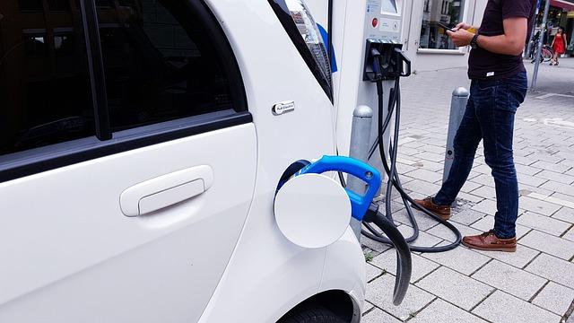 Szykuje się nowe rozporządzenie o wsparciu z Funduszu Niskoemisyjnego Transportu. Wsparcie do zakupu pojazdów także dla osób fizycznych?