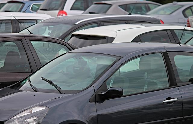 Duża nowelizacja Prawa o ruchu drogowym – rejestrowanie auta u dealera i inne ułatwienia dla kierowców