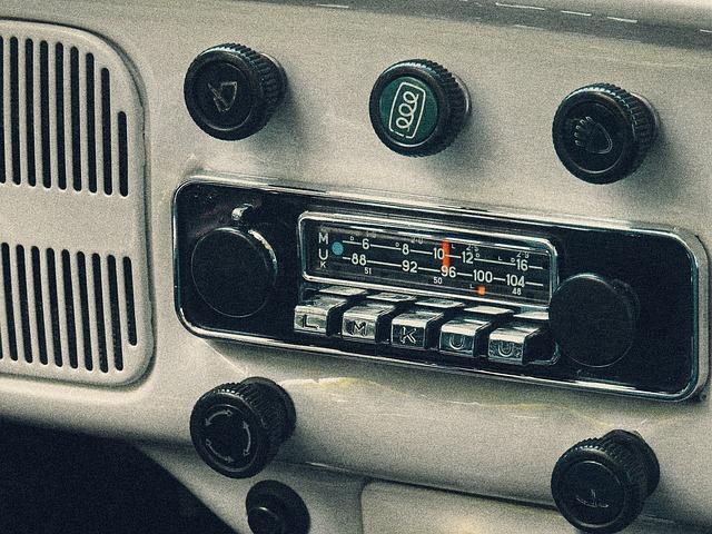 Zasady uiszczania abonamentu RTV od odbiorników w samochodach firmowych