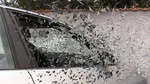 Odpowiedzialność materialna pracownika za wypadek samochodem służbowym