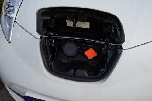 """""""Umiarkowane"""" zainteresowanie dopłatami do zakupu aut elektrycznych"""