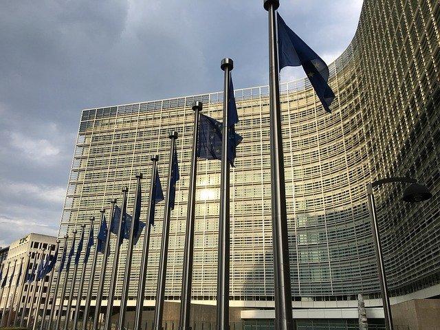 Fuzja FCA i PSA coraz bliżej – jest zielone światło od Komisji Europejskiej