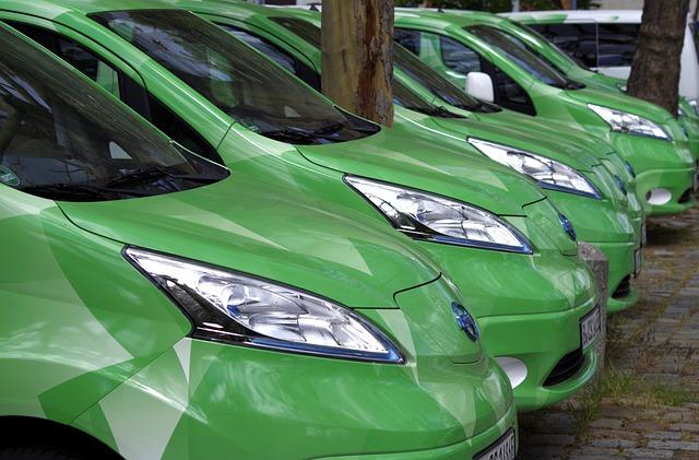 Projekt nowelizacji ustawy o elektromobilności: obowiązkowe strefy czystego transportu w gminach powyżej 100 tys. mieszkańców